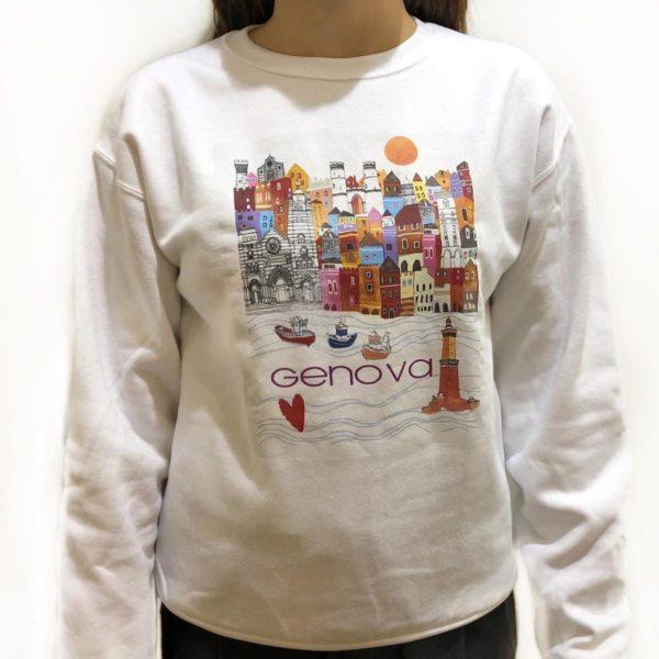 Felpa girocollo di colore bianco con stampa sul davanti: disegno a tinte vivaci del caratteristico paesaggio genovese