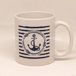 Tazza in ceramica con ancora disegnata